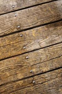 Comment utiliser le béton auto-nivelant sur un sous-plancher de bois Accidenté