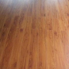 Comment installer plancher flottant en bois sur le béton