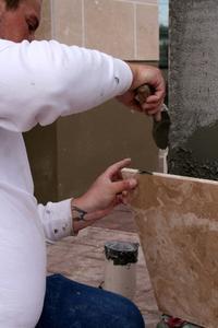 Comment utiliser une scie en spirale sur carreaux de céramique
