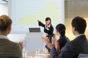 Quels sont les avantages de créer des présentations PowerPoint From Scratch?