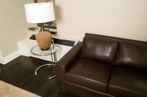 Comment choisir la couleur d'un canapé en cuir