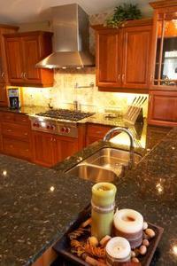 Comment ajouter moulage à la face de Armoires de cuisine