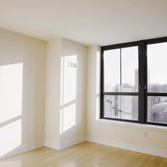 Conseils pour un long appartement avec une fenêtre