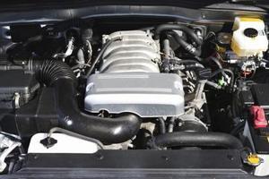 Comment puis-je changer le thermostat sur 2,7 litre Toyota Tacoma?
