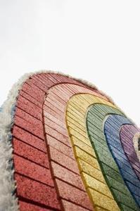 Comment peindre le béton pour ressembler à des briques ou des tuiles