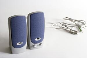 Comment ajouter des haut-parleurs externes à un téléviseur plus
