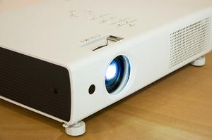Comment faire une maison Projector Mount