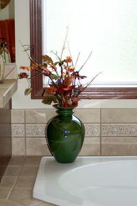 Comment faire pour installer les carreaux de céramique sur un évier