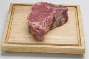 Comment Barbecue épais T-bone steaks