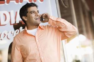 Quels sont les dangers des micro-ondes dans les téléphones mobiles?
