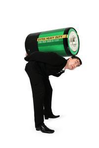 Comment faire pour dépanner une batterie 12 volts de voiture