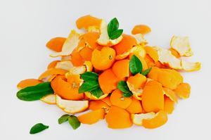 Comment Faire bouillir pelures d'orange dans l'eau