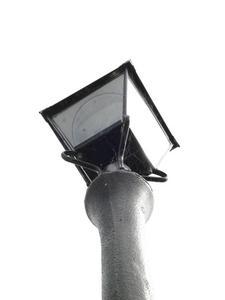 Comment verser une base de lampadaire en béton