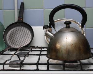Acier inoxydable Pots Vs.  Cast Aluminium