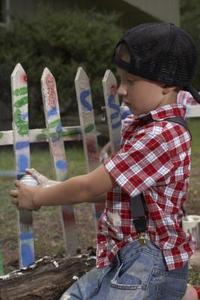Comment pulvériser peindre une clôture en bois