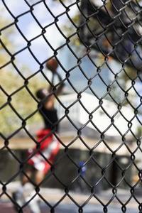 Comment Étirez une clôture de fil Weave