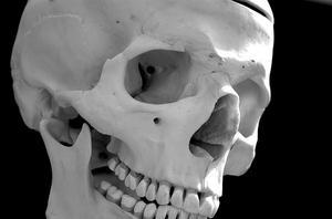 Quelles sont les causes des douleurs dans les ganglions lymphatiques et la mâchoire?