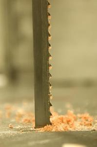 Comment couper les courbes sur une scie à ruban