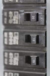 Comment installer un disjoncteur Cutler Hammer Circuit