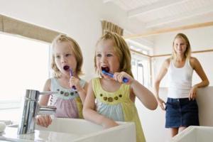 Comment changer les piles sur une brosse à dents électrique Oral-B