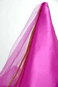Comment fixer le filet à mailles de fantaisie sur les robes