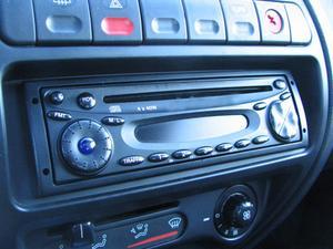 Comment remplacer le lecteur CD sur une Volvo 940
