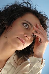 Quelles sont les causes d'un picotement dans la tête?