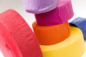 Comment créer des décorations avec des banderoles de crêpe
