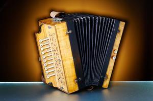 Comment jouer un accordéon cajun