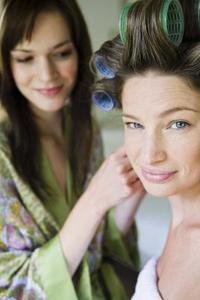 Comment coiffer vos cheveux pour une demoiselle d'honneur