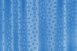 Comment accrocher des rideaux en soie