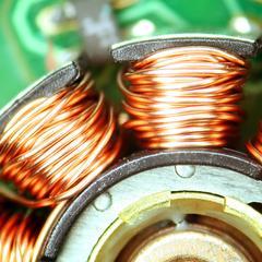 Utilise des électro-aimants