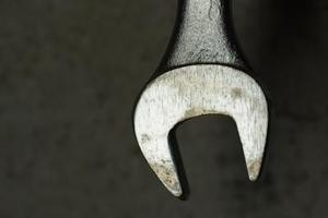 Comment réparer une scie à chaîne Husqvarna 41 20-Inch Bar