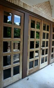 Comment remplacer un panneau de porte avec du verre